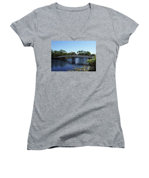 Western Lake Bridge Women's V-Neck (Athletic Fit)