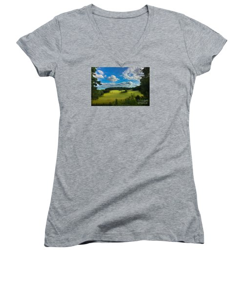 British Countryside Women's V-Neck