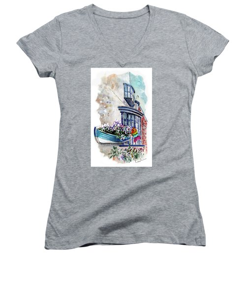Broadies By The Sea In Staithes Women's V-Neck T-Shirt