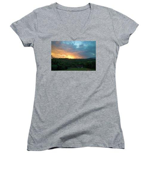 Bucolic Vinales Women's V-Neck T-Shirt