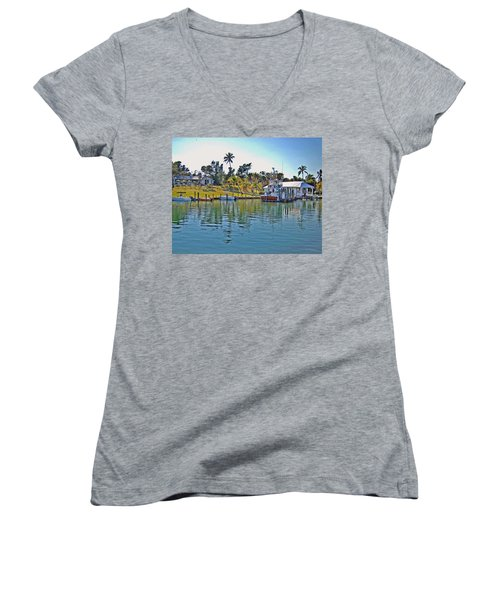 Cabbage Key Women's V-Neck T-Shirt (Junior Cut)