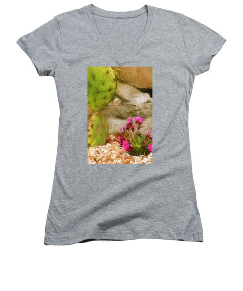 Cactus Lines Women's V-Neck T-Shirt