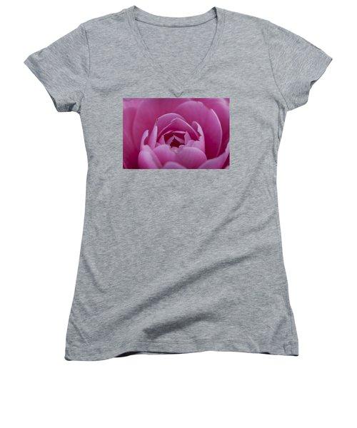 Camellia Close-up Women's V-Neck (Athletic Fit)