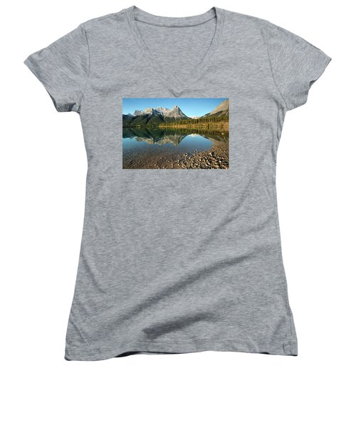 Canmore Reflections Women's V-Neck (Athletic Fit)