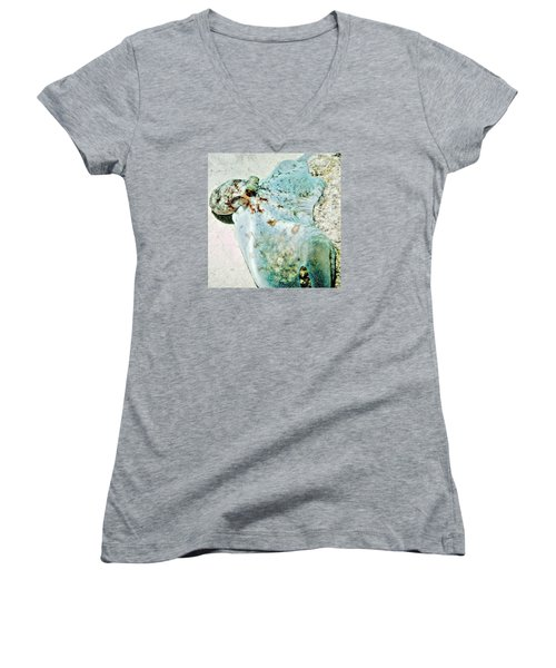 Women's V-Neck T-Shirt (Junior Cut) featuring the photograph Caribbean Reef Octopus - Eyes Of The Deep by Amy McDaniel