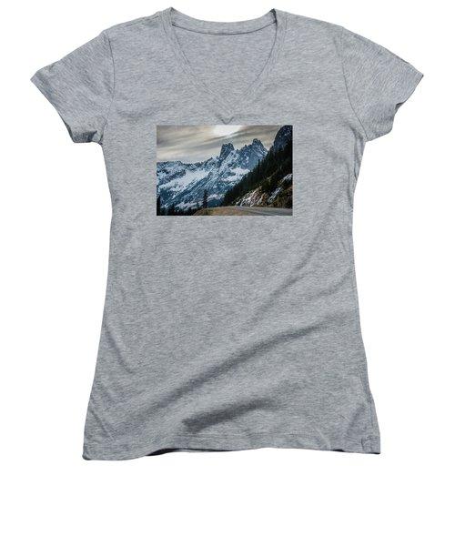 Cascade Beauty Women's V-Neck T-Shirt