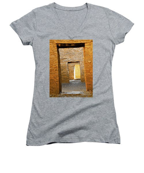 Chaco Canyon Doorways Women's V-Neck (Athletic Fit)