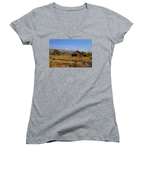 Chapel Of The Transfiguration Women's V-Neck T-Shirt (Junior Cut)