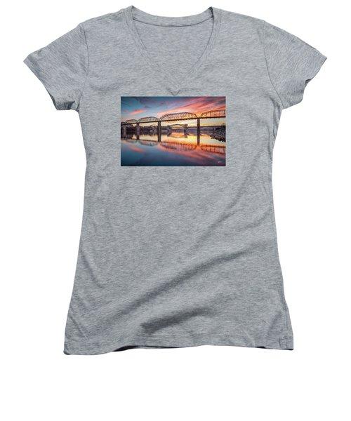 Chattanooga Sunset 5 Women's V-Neck T-Shirt (Junior Cut) by Steven Llorca