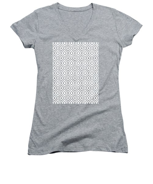 Circle And Oval Ikat In White T09-p0100 Women's V-Neck T-Shirt