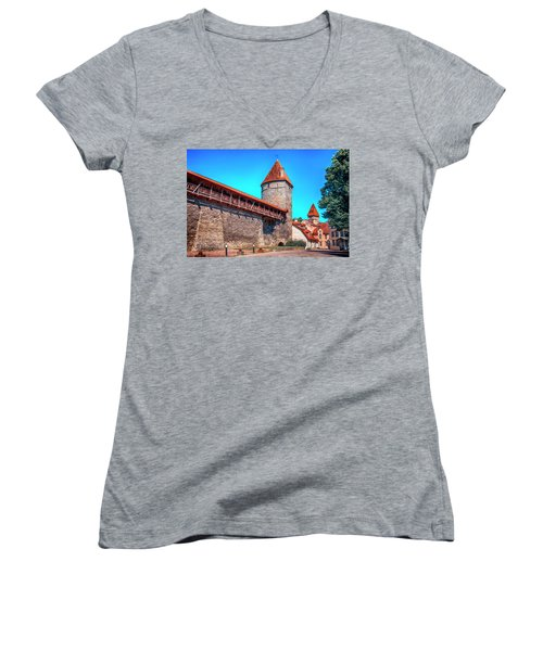 City Wall Women's V-Neck