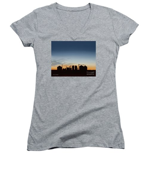 Close Of Day Women's V-Neck T-Shirt