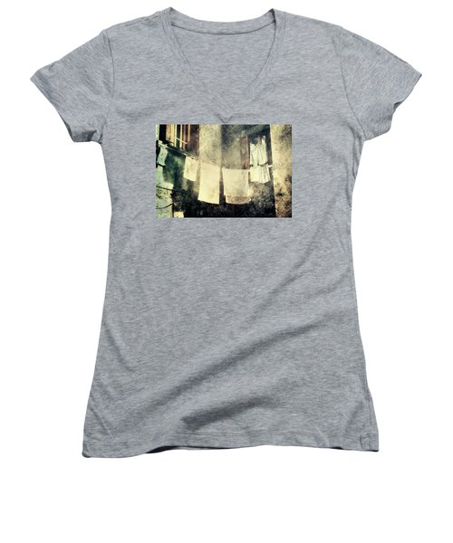Clothes Hanging Women's V-Neck