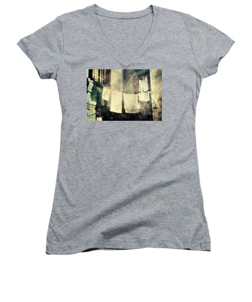 Clothes Hanging Women's V-Neck T-Shirt