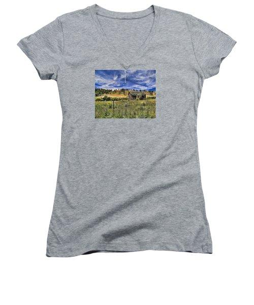 Colorado Homestead Women's V-Neck T-Shirt (Junior Cut) by John Bushnell
