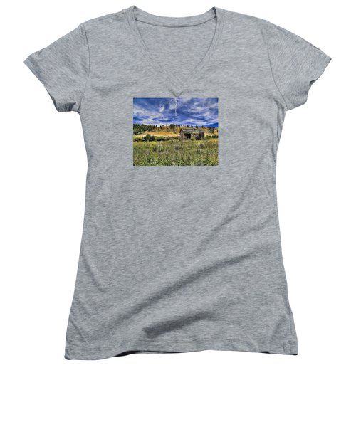 Colorado Homestead Women's V-Neck T-Shirt