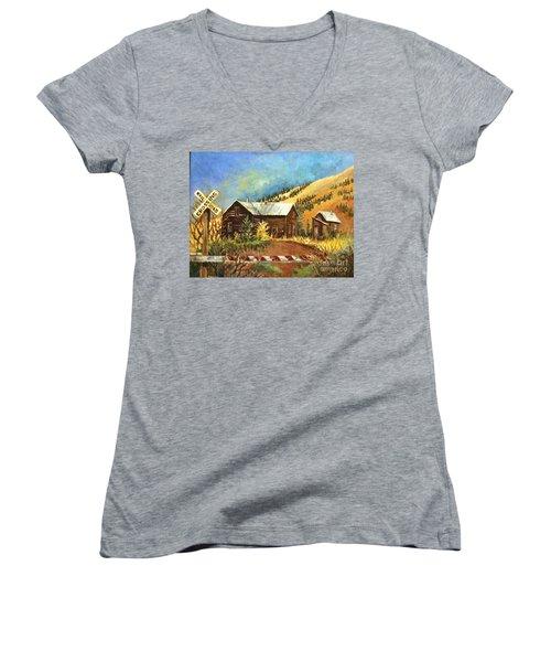 Colorado Shed Women's V-Neck T-Shirt