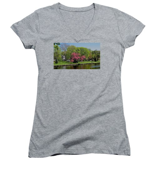 Women's V-Neck T-Shirt (Junior Cut) featuring the photograph Connecticut by John Scates