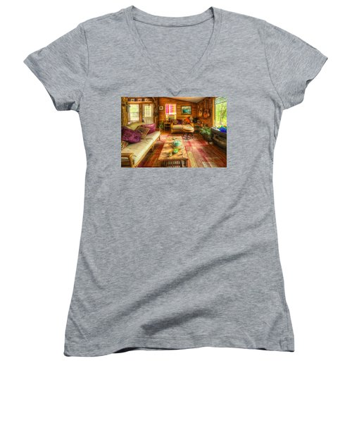 Country Cabin Women's V-Neck