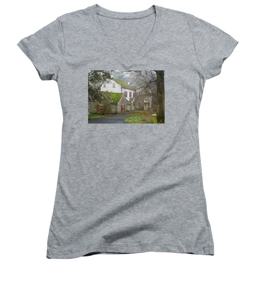 Country House Women's V-Neck