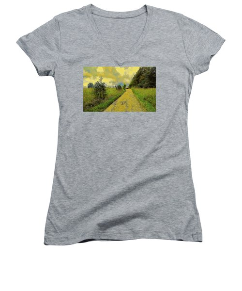 Country Road Women's V-Neck