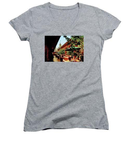 Courtyard At The Inn Women's V-Neck T-Shirt