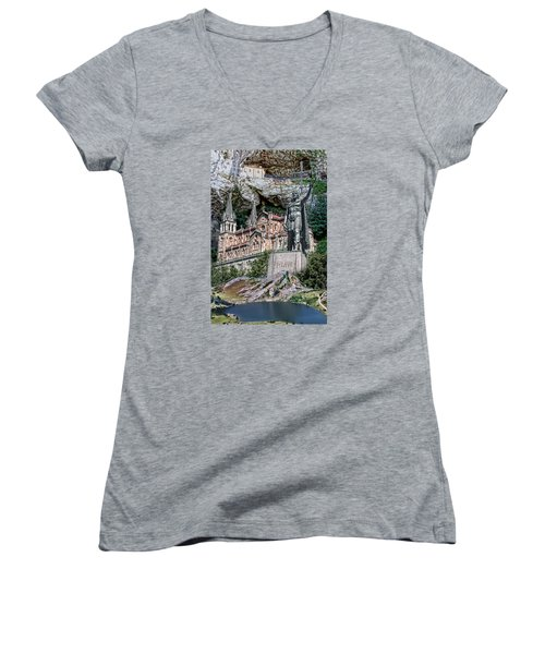 Covadonga Women's V-Neck T-Shirt