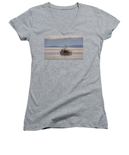 Crabbing Women's V-Neck (Athletic Fit)
