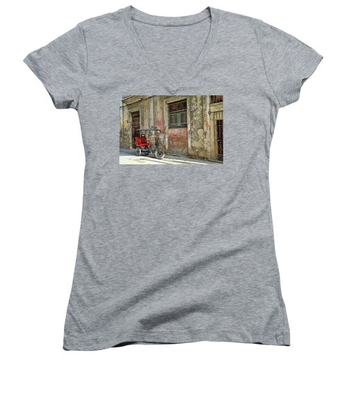 Cuban Uber Women's V-Neck