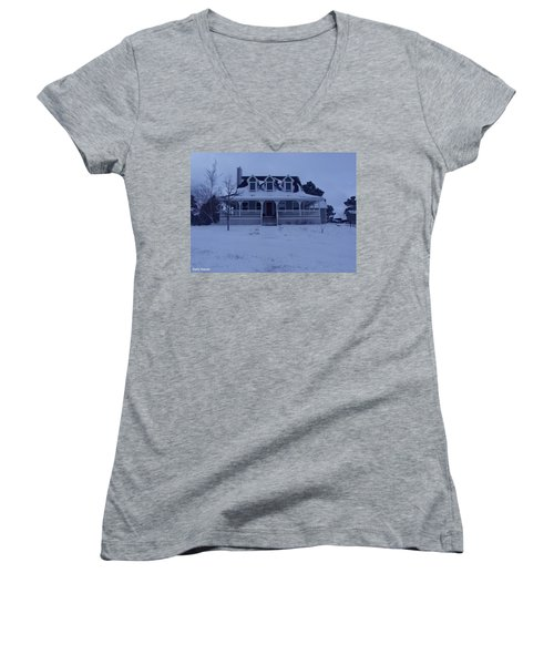 Women's V-Neck T-Shirt (Junior Cut) featuring the photograph Dahl House by Gene Gregory