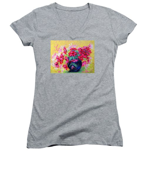 Daisies And Blue Vase Women's V-Neck T-Shirt