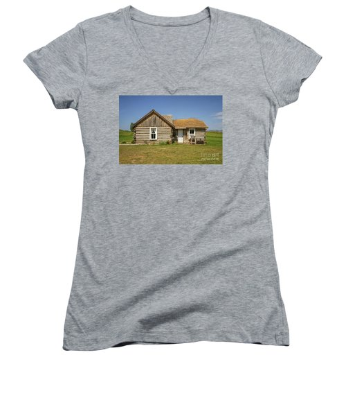 Davis Cabin Women's V-Neck T-Shirt