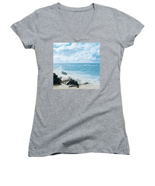 Women's V-Neck T-Shirt featuring the photograph Daydream by Sharon Mau