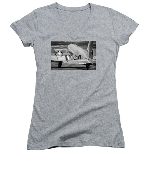 Dc3 Taxiing For Departure Women's V-Neck
