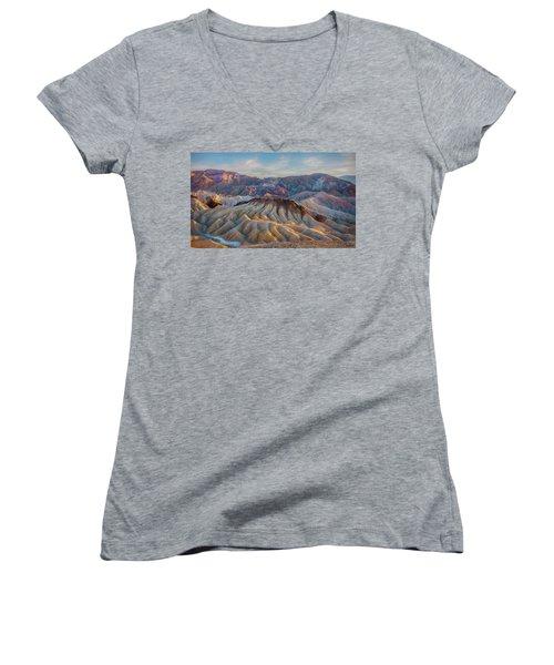 Death Valley Palette  Women's V-Neck T-Shirt