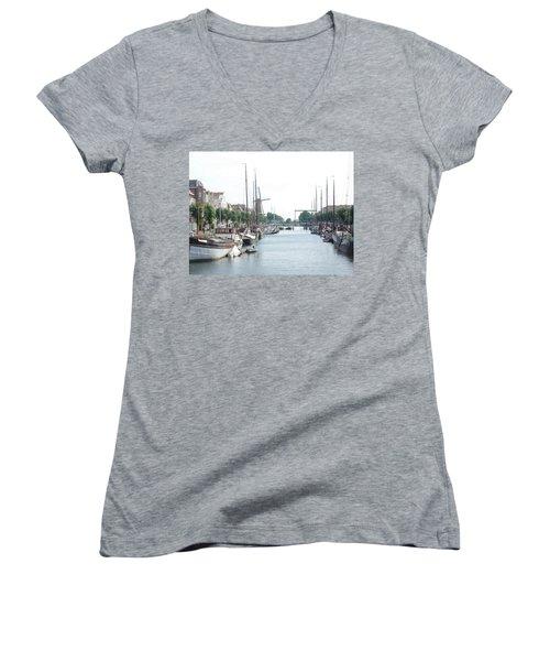 Delfshaven Women's V-Neck T-Shirt