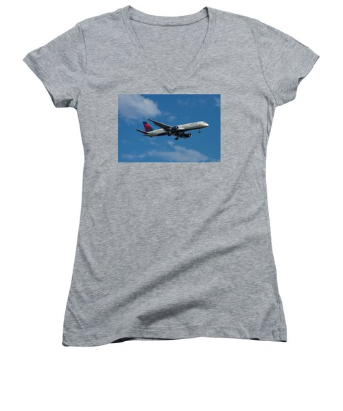 Delta Air Lines 757 Airplane N668dn Women's V-Neck
