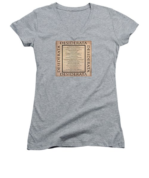 Desiderata - Spanish- Poema Escrito Por Max Ehrmann Women's V-Neck T-Shirt (Junior Cut) by Claudia Ellis