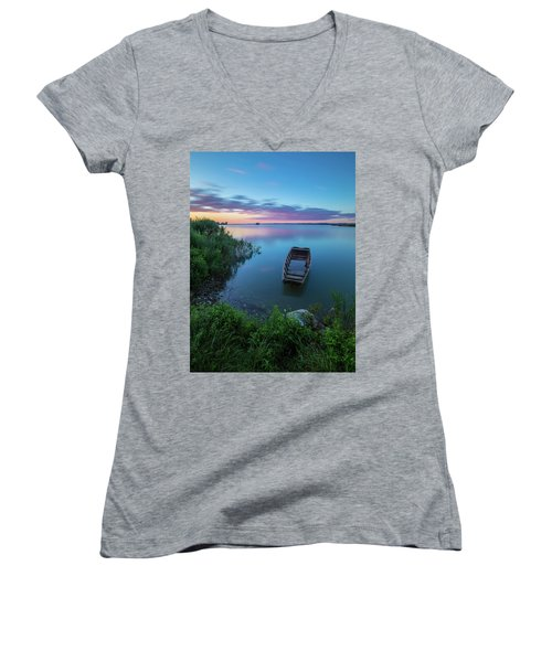 Dreamy Colors Of The East Women's V-Neck