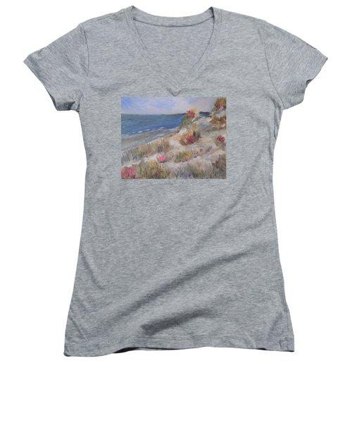Dune View Women's V-Neck