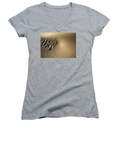 Dunes Footprints Women's V-Neck T-Shirt