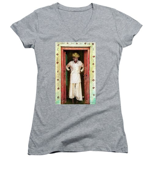 Women's V-Neck T-Shirt featuring the photograph Early Morning Pause by Bellesouth Studio
