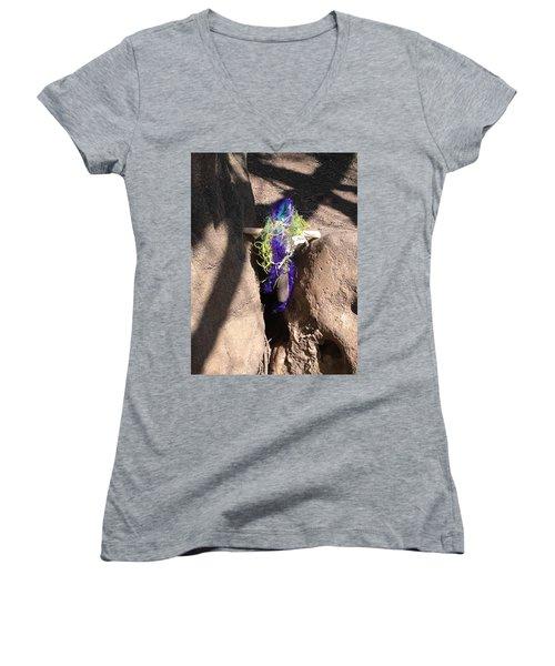 Easter Cross Women's V-Neck T-Shirt