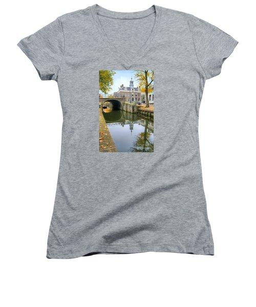 Edam Town Hall Women's V-Neck T-Shirt