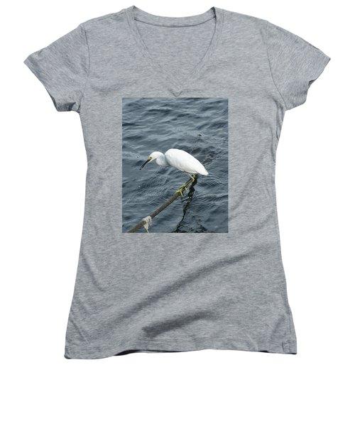 Egret On The Munch Women's V-Neck T-Shirt (Junior Cut)