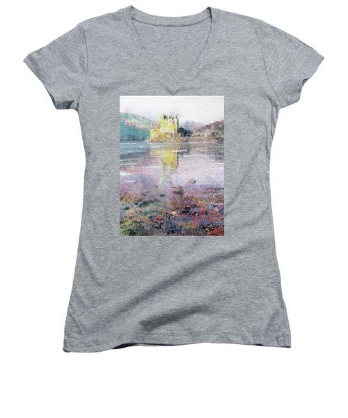 Eilean Donan Castle  Women's V-Neck T-Shirt