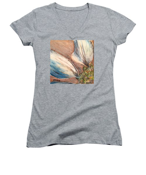 Faded Glory  Women's V-Neck T-Shirt
