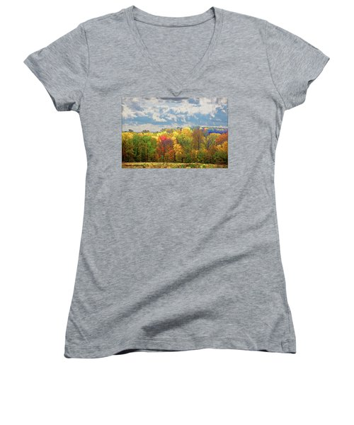 Women's V-Neck featuring the photograph Fall At Shaw by David Coblitz