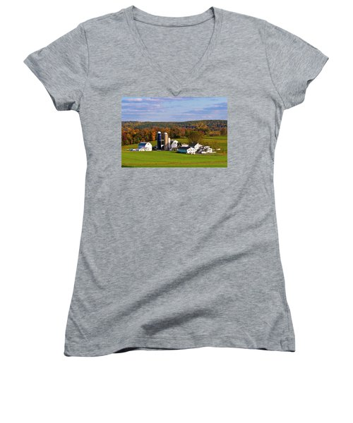 Fall In Amish Country Women's V-Neck T-Shirt