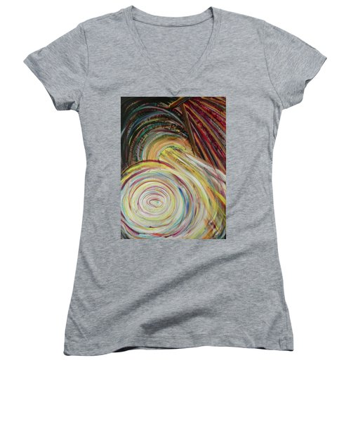 Favor Women's V-Neck